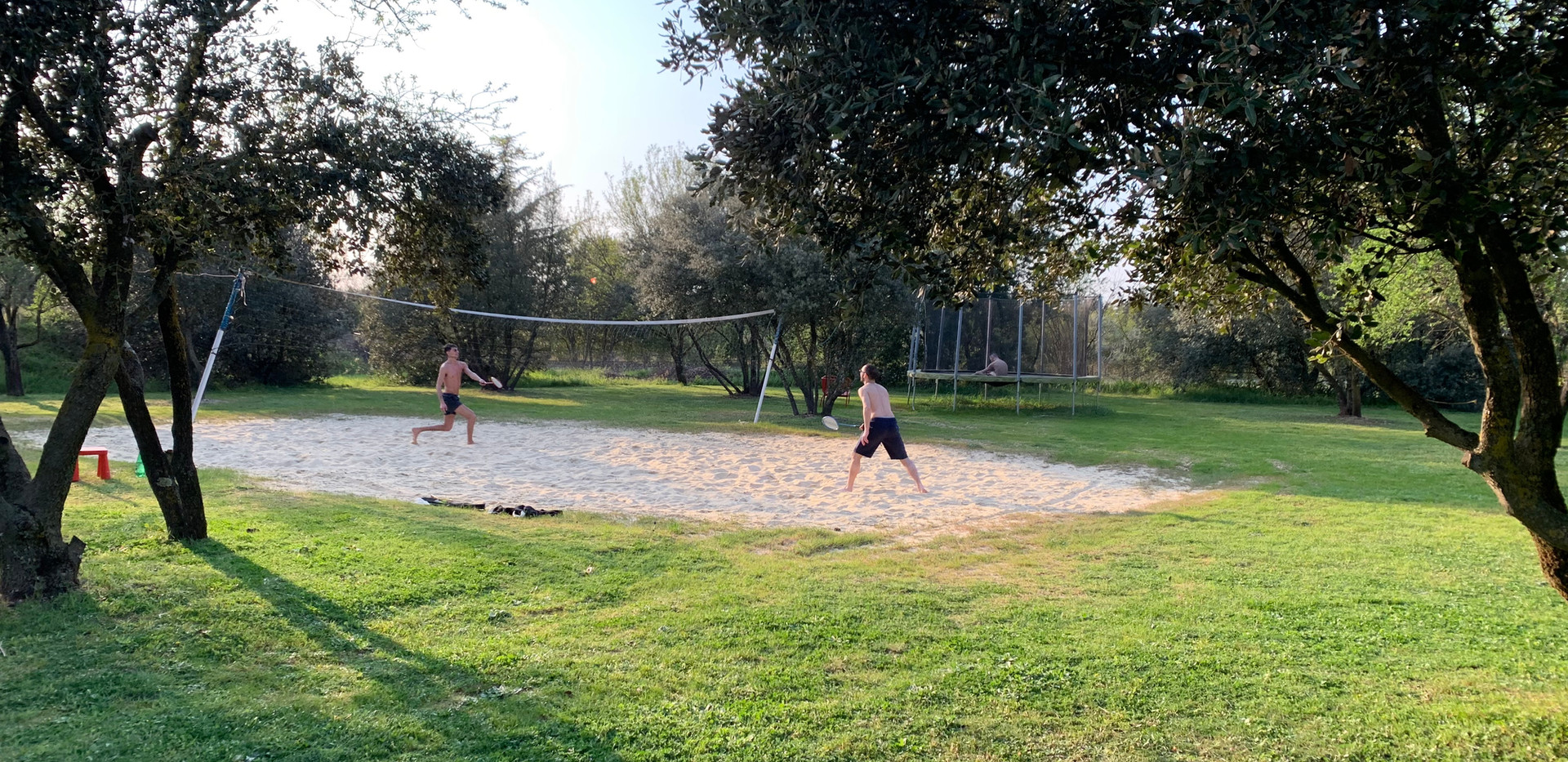 Beach-volley at Mas Saint-Gens, group accommodation in South of France