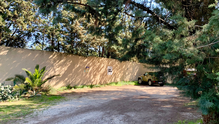 Overview of the Mas Saint-Gens car park, your holiday house in South of France
