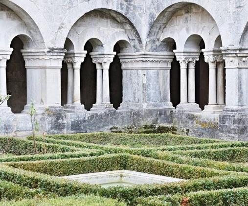 Senanque Abbey, to visit when staying at Mas Saint-Gens