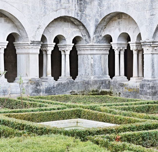 Senanque Abbey, to visit when staying at Mas Saint-Gens
