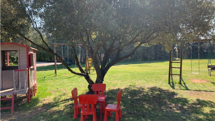 The park and its games, Mas Saint-Gens, holiday rental in Provence