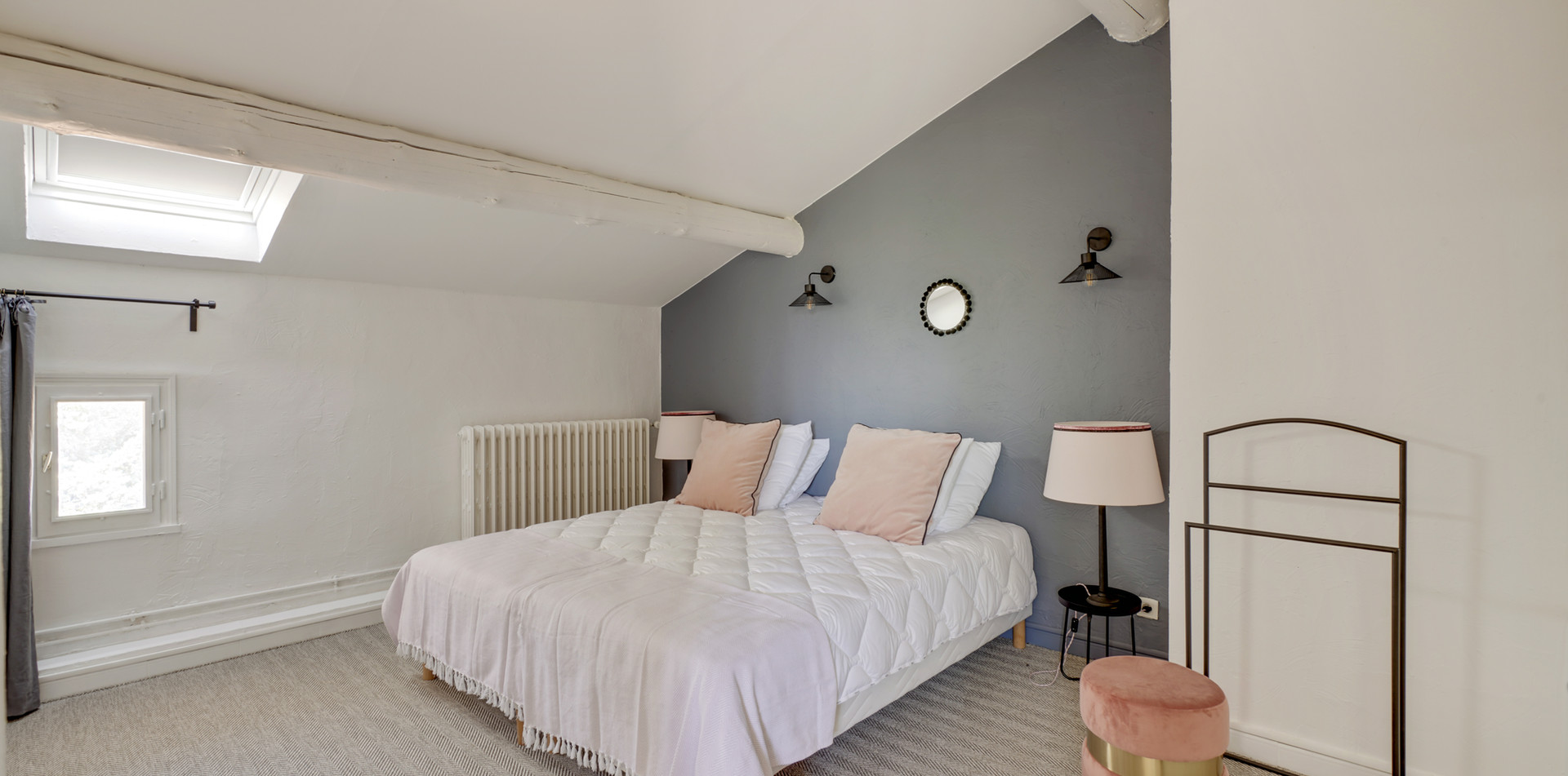 House of happiness, bedroom 1, Mas Saint-Gens