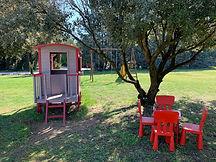 Le parc et les jeux d'enfants au Mas Saint-gens, grand gite Provence Carpentras
