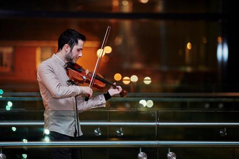 Violin Arround