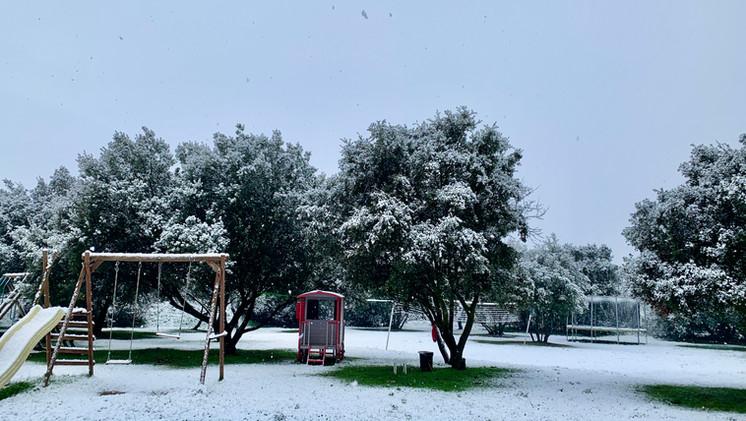 Et oui, il peut parfois neiger chez nous, au Mas Saint-Gens :)