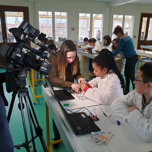 Incroyable projet à NDV : Piloter une main robotisée par la pensée
