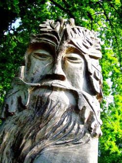 green man statuerd