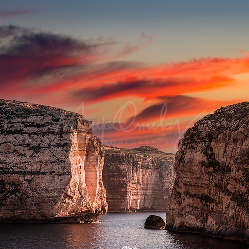 Fine Art Cliffs de Malta