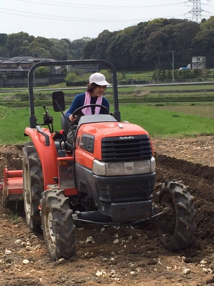農機による作業の様子
