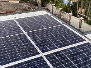 村屋隔熱板天台屋加裝太陽能板,每月$3000~$4000被動收入