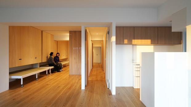 Apartment Corner Unit