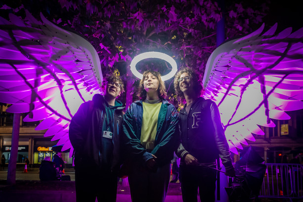 angels_benches_light_night_2019lizziec