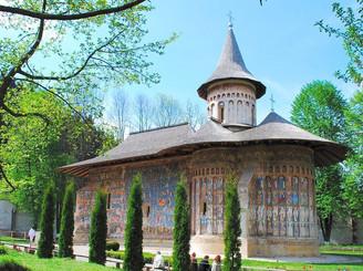Manastirea_Voronet_bucovina.jpg