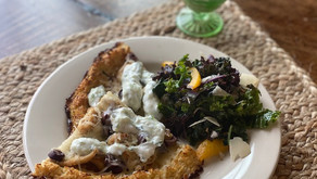How to make the perfect dinner: Cauliflower pizza, kale salad and ricotta chocolate mousse.