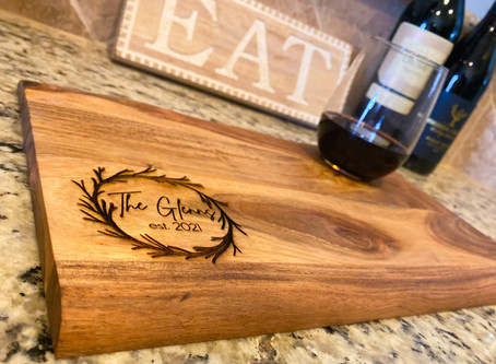 Get obsessed with personalized charcuterie boards and home décor from Lynx Custom Creations.