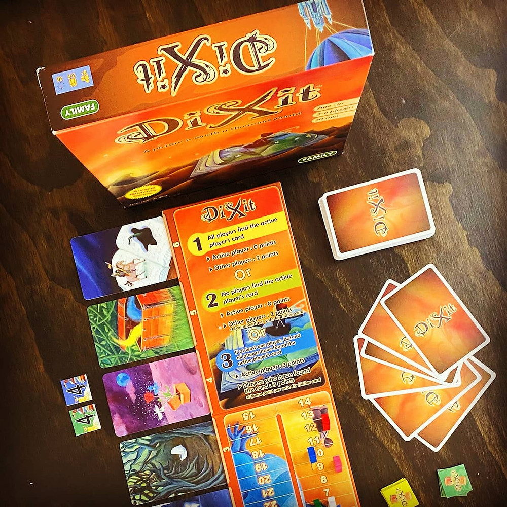 Dixit Cards and Voting Tokens