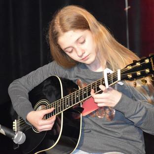 11-LA CASA DE PAPEL Guitare.JPG