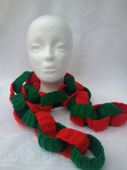 Paper Chain Scarf