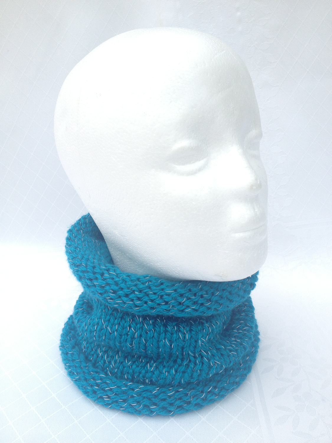 Loopy Kit Knitted Cowl