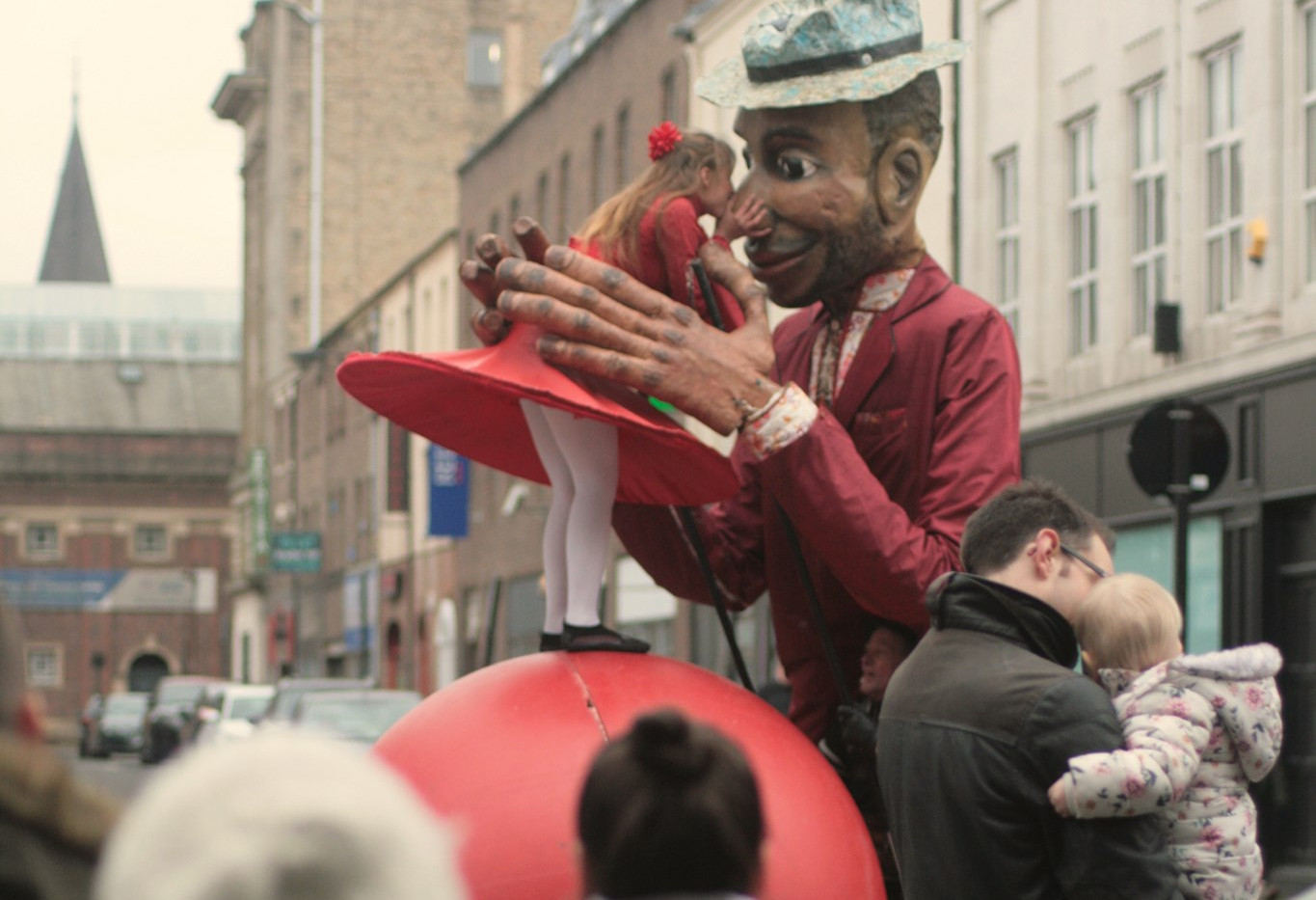 Join the Parade by Compagnie with Balls