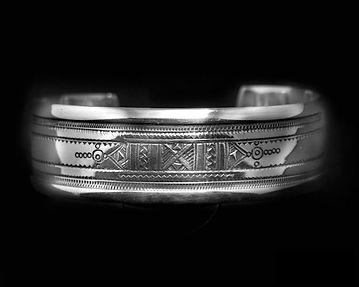 Bracelet manchette, bijoux touareg à Paris chez l'Argenterie