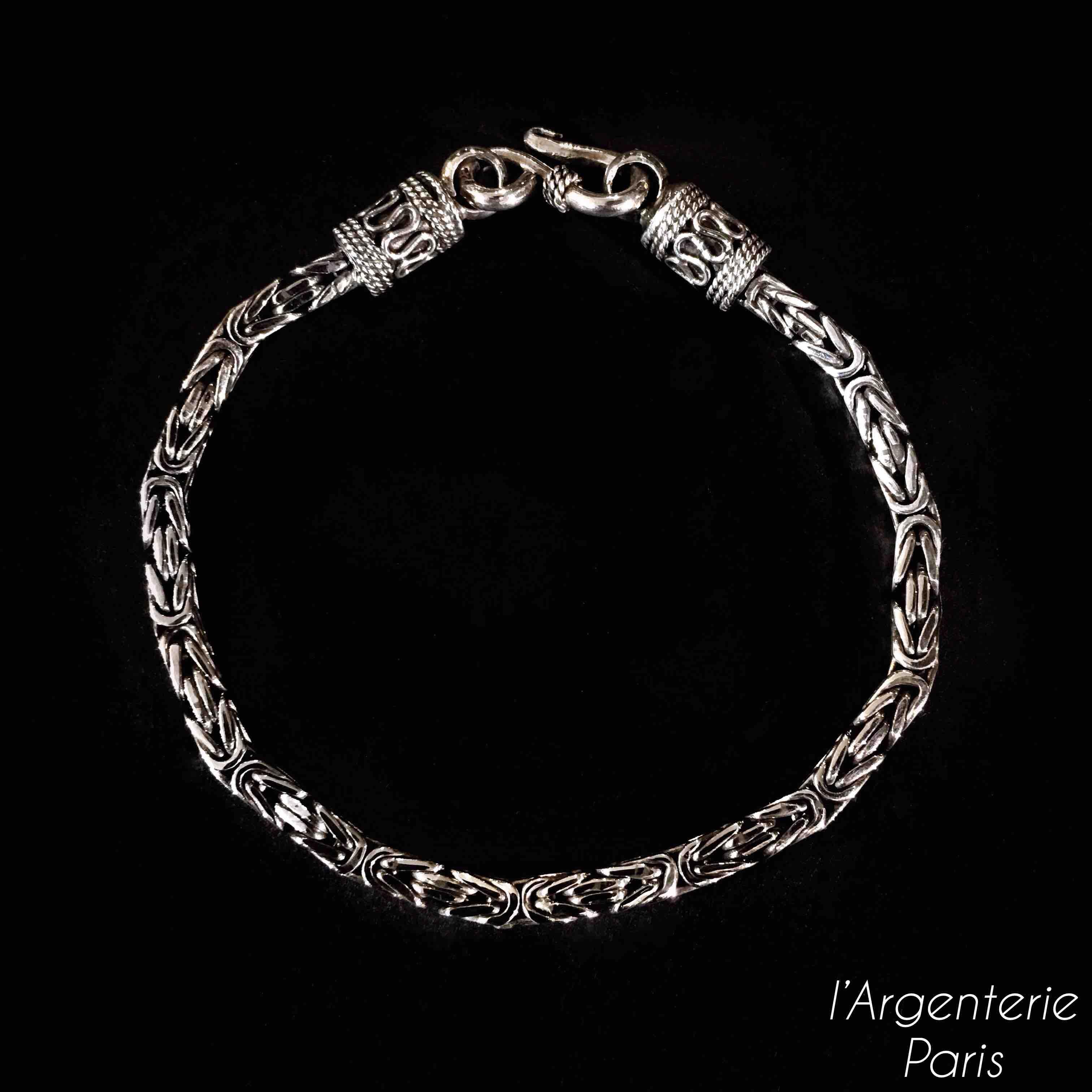 Bracelet indonésien.