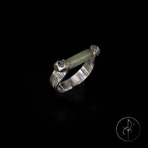 Bague tube en jade