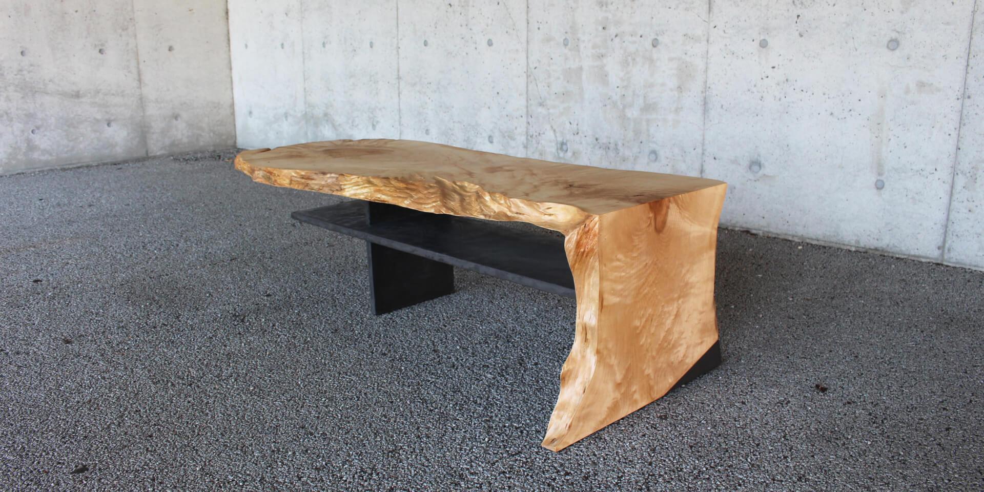 紅葉(モミジ)の一枚板接客テーブル