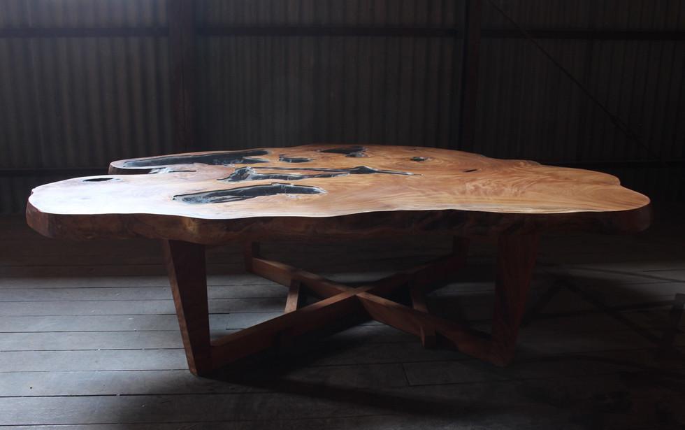 欅の水鏡テーブル