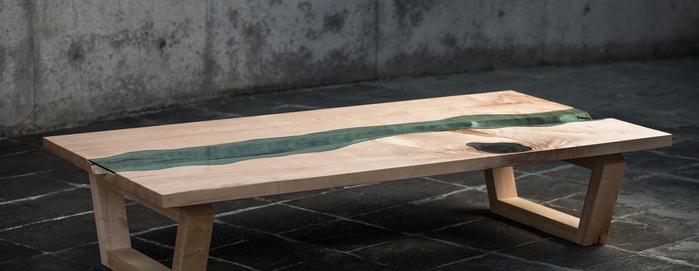 ハードメイプルの水鏡テーブル