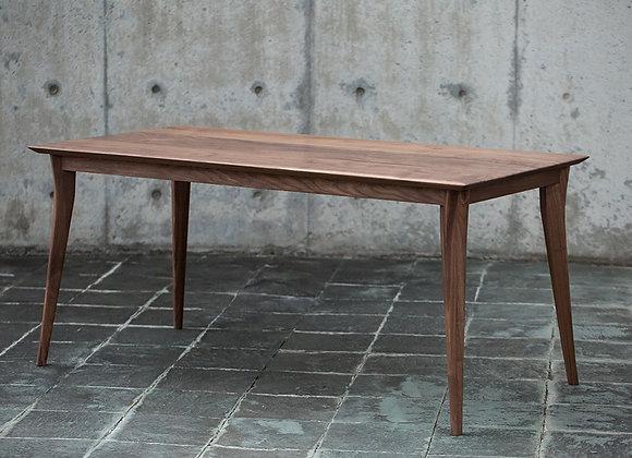 ウォールナットの3枚接ぎテーブル(SMOOTH Table)
