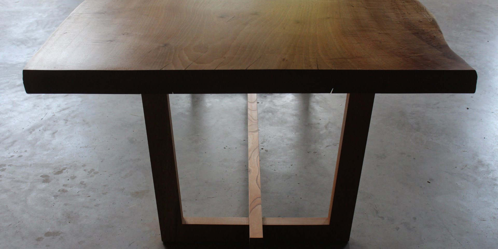 タブ桜の一枚板テーブル