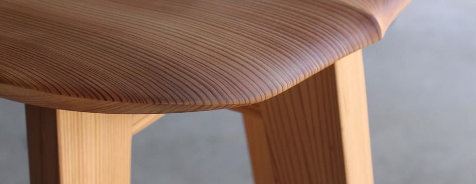 杉のハイスツール