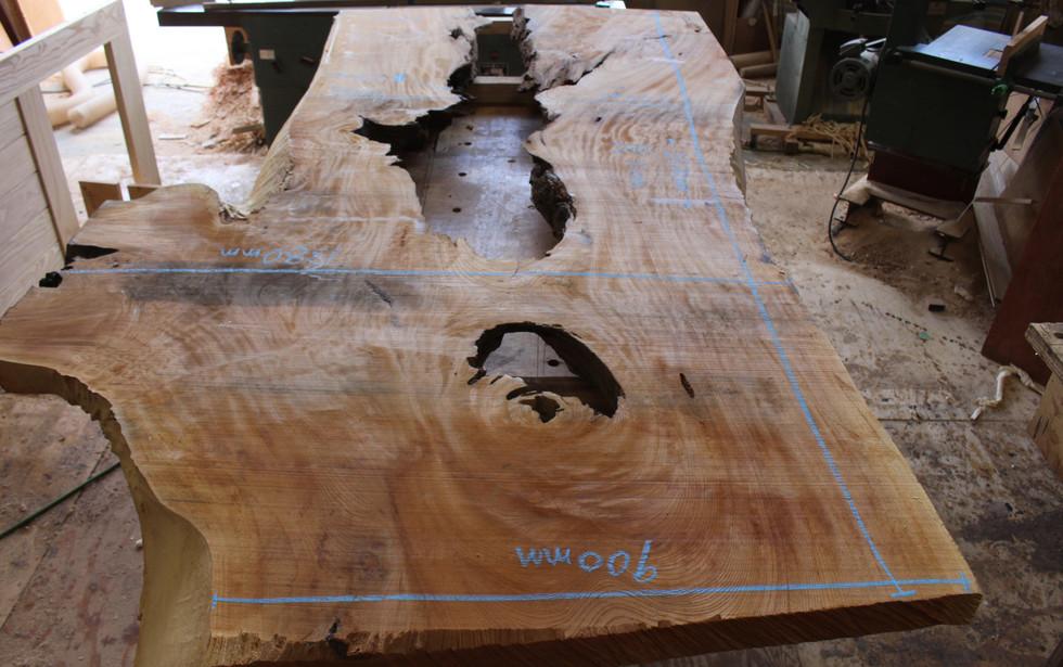 欅の一枚板テーブル