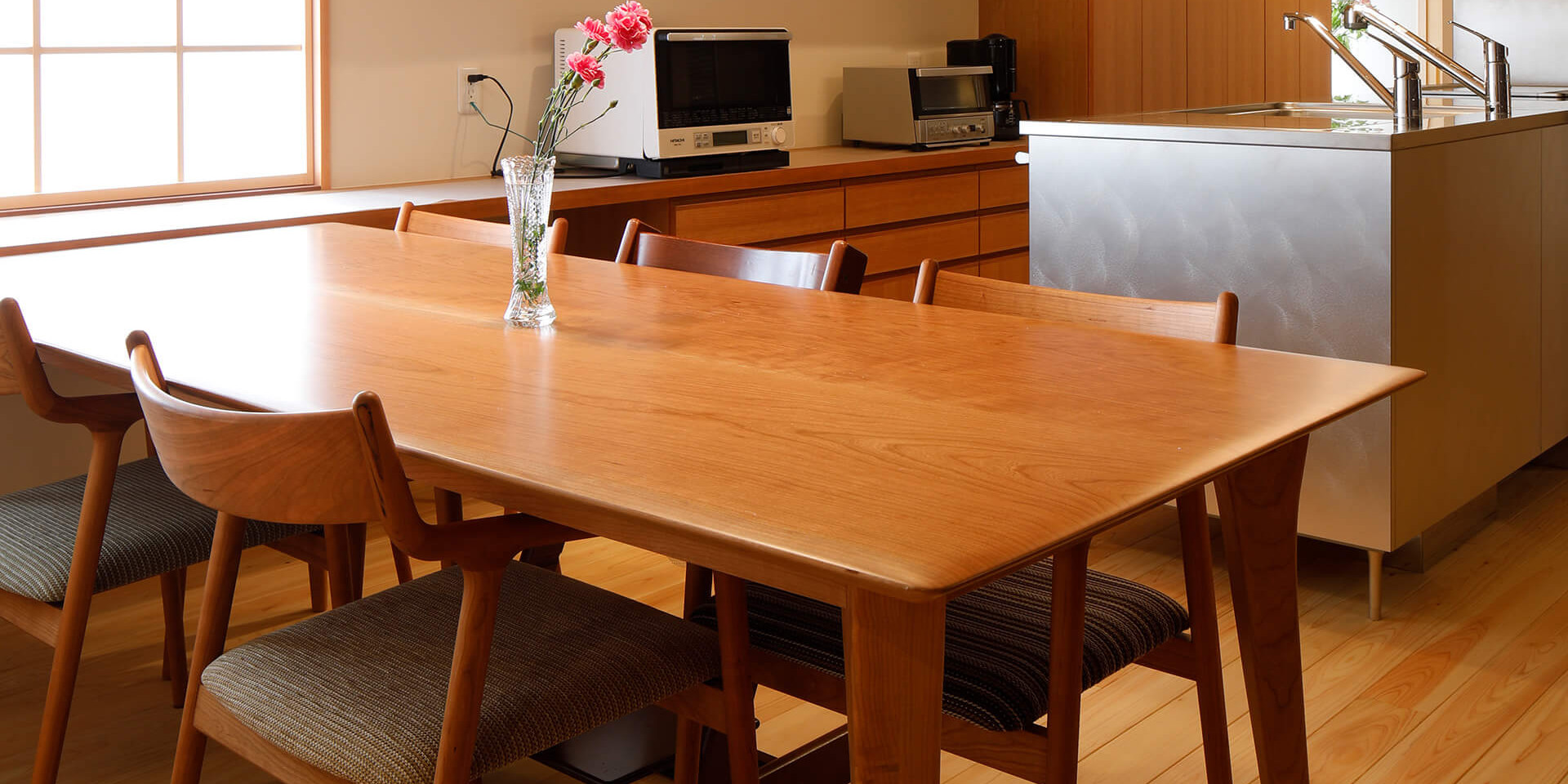 欅の一枚板テーブルブラックチェリーのスムーステーブル