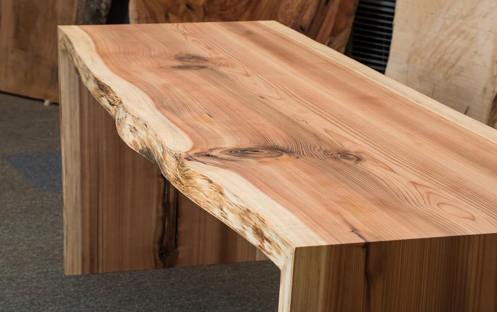 杉の一枚板テーブル