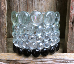 black and clear accented vase back WM