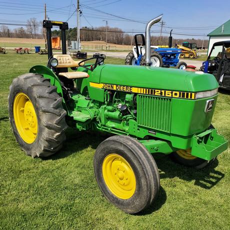 John Deere 2150 Tractor.jpg