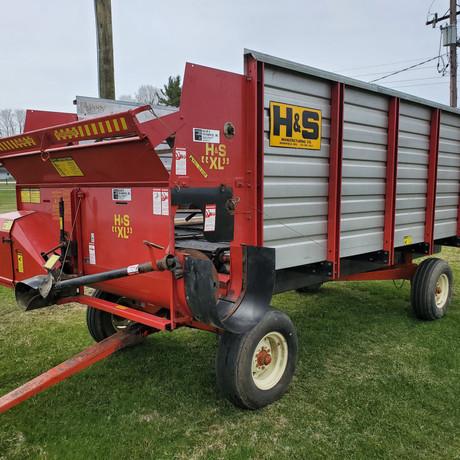 H&S XL 14' Silage Wagon.jpg