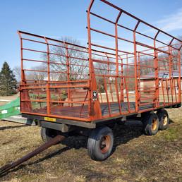 Ajay Meyer's Hay Wagon Tandem Gear.jpg