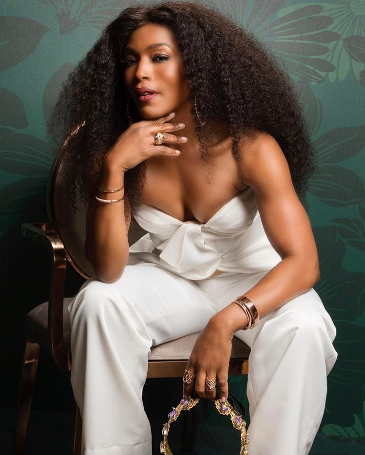Angela Bassett Vauje Crown Essence