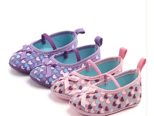 Zapato Abierto Para Bebe Niña Corazones Babynova