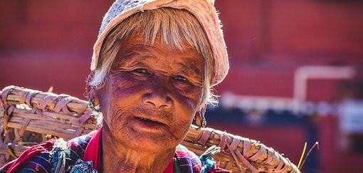 BHOUTAN Femme.jpg