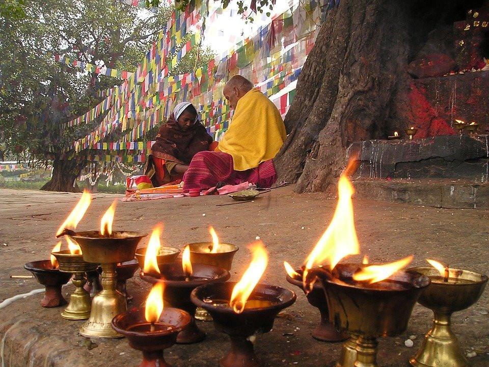NEPAL Prière.jpg