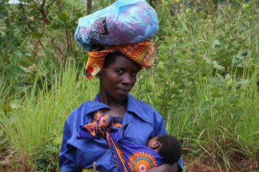 Mozambique femme enfant.jpg