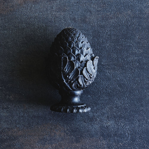 Garden Finial Candle in Darkest Night