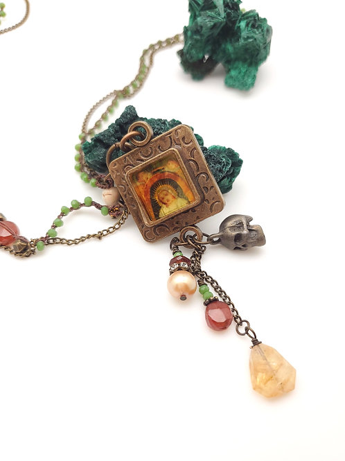 Resin and Beaded Long Necklace
