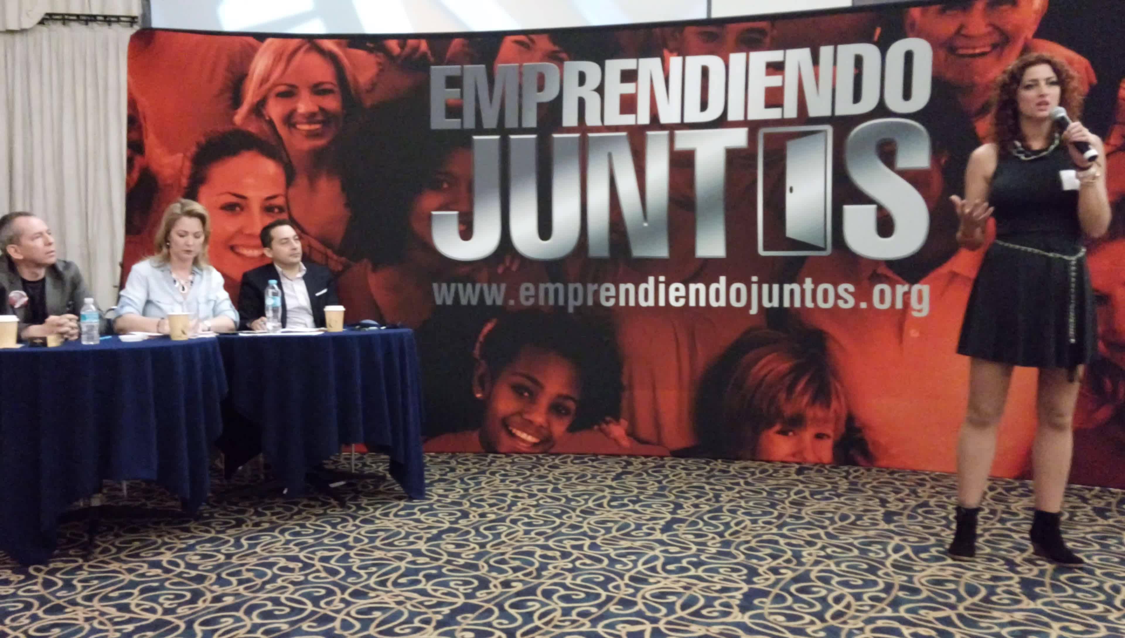"""Presentación  en """"Emprendiendo juntos"""" ciudad de México"""