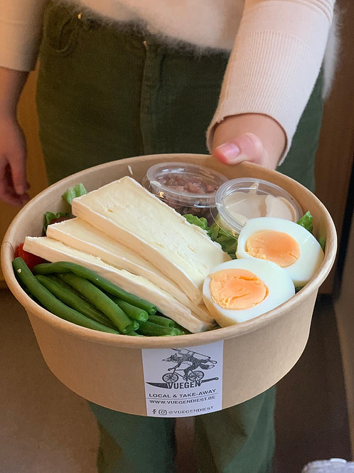 Salade met brie & spek, dressing op basis van appel, honing, mosterd