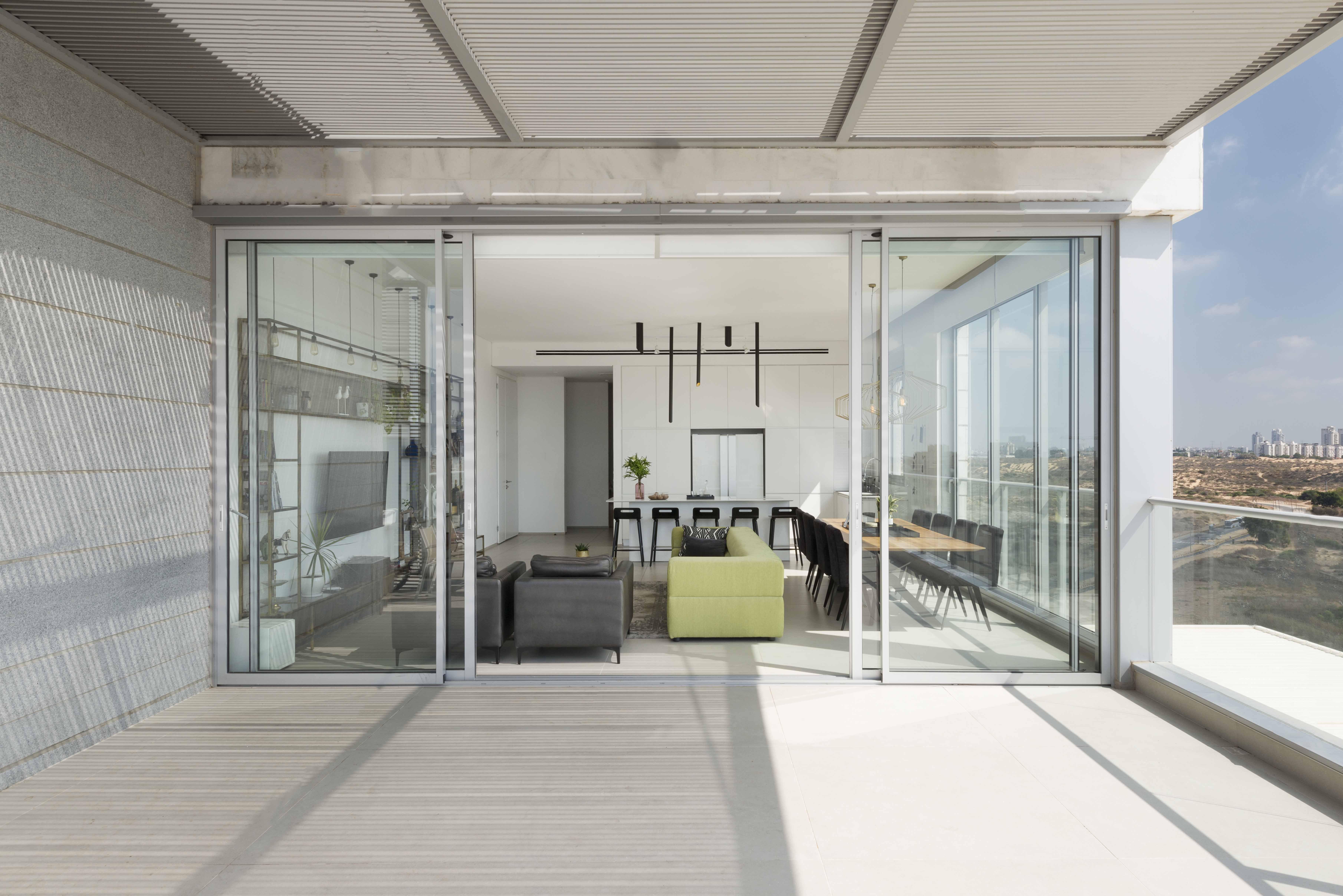 Holon penthouse